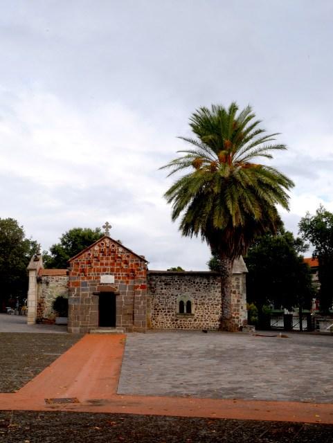 fronte chiesa - Le Plume