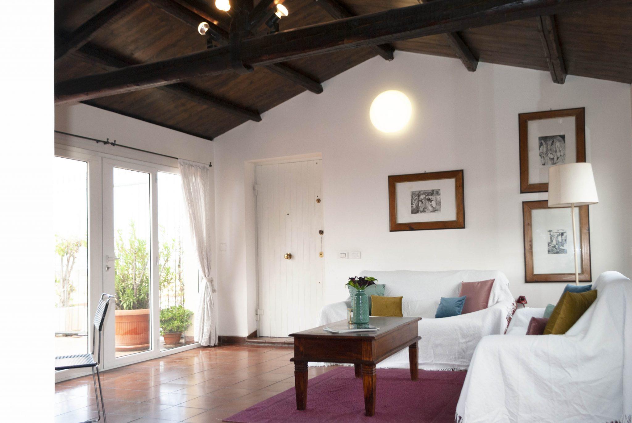 Eminas Immobiliare salone bianco - Le Plume