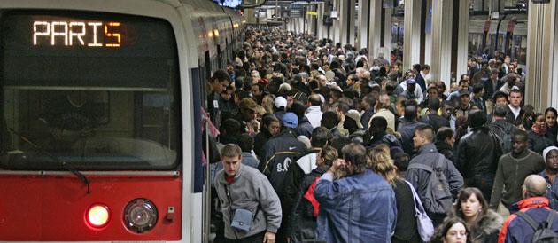 La ligne A du RER est de plus en plus fréquentée © JACK GUEZ / AFP