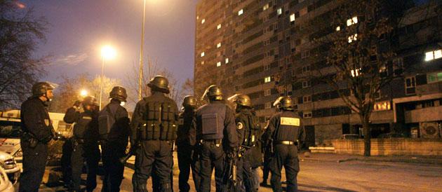 Coups de feu contre des policiers après un