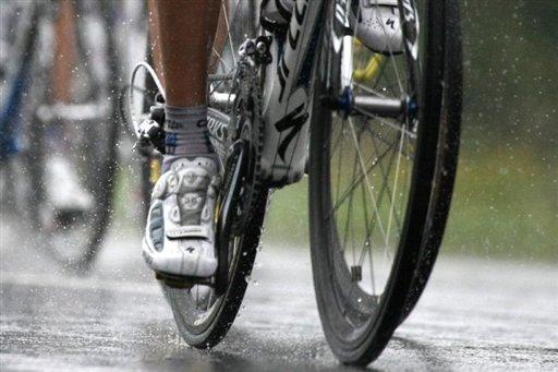 Tour de France: tirs sur des coureurs, sans doute le fait de jeunes désoeuvrés
