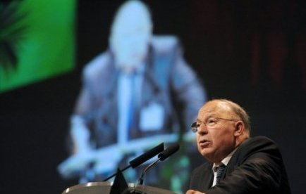 Le recteur de la Grande mosquée soutiendra Hortefeux à son procès jeudi