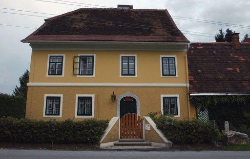 la maison natale en autriche d arnold schwarzenegger a ete transformee en musee et a