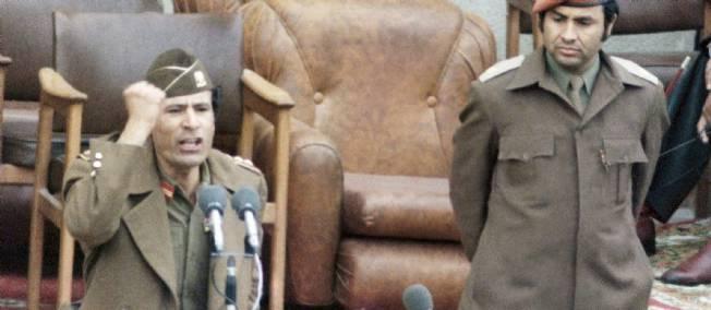 Muammar Kadhafi et Abdessalem Jalloud, alors Premier ministre, en 1977.