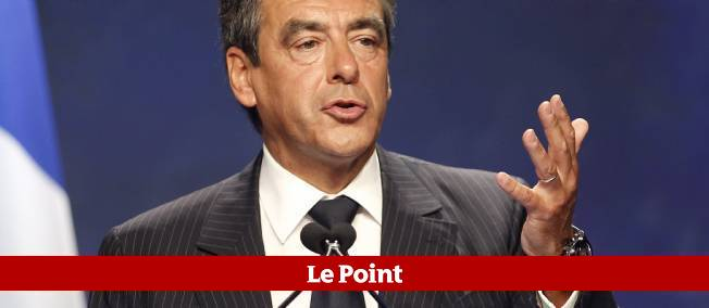 """Fillon : """"Le président n'est pas seul"""""""