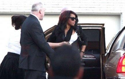La chanteuse Whitney Houston, retrouvée morte le 11 février dans la baignoire de sa chambre d'hôtel pour des raisons encore inconnues, a légué tous ses biens à sa fille Bobbi Kristina, selon son testament rendu public.