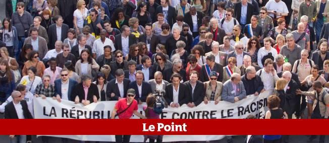 La marche silencieuse contre le racisme et l'antisémitisme organisée à Paris après les drames de Toulouse et de Montauban.