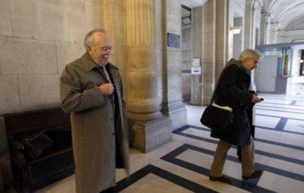 """La cour d'appel de Paris a débouté samedi la présidente du FN Marine Le Pen de l'action en diffamation qu'elle avait engagée contre sa rivale écologiste à la présidentielle, Eva Joly, qui l'avait accusée d'être """"l'héritière de son père milliardaire par un détournement de succession"""