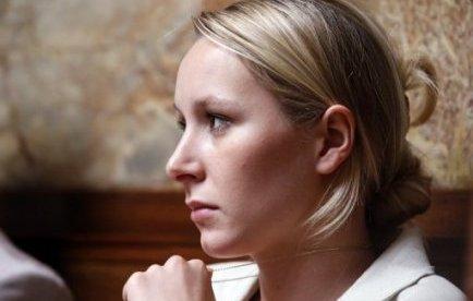 Le bureau politique du Front national a voté la semaine dernière l'arrivée de quatre nouveaux membres en son sein, dont la députée Marion Maréchal-Le Pen et Fabien Engelmann, qui s'était rendu célèbre aux cantonales de 2011 en étant candidat FN alors qu'il était à la CGT.