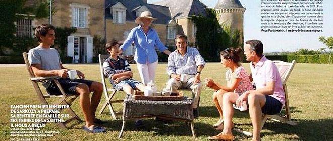 François Fillon entouré de sa famille dans sa propriété (Sarthe).