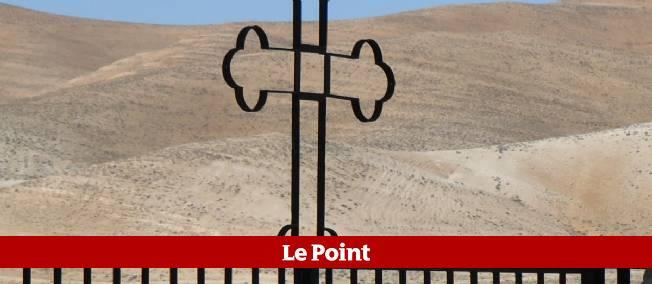 Une croix chrétienne dans le village de Maaloula, au nord-est de Damas, en Syrie.
