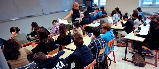 Le projet, qui concerne 3,2 millions de collégiens, sera discuté avec la communauté éducative pendant un mois, et entrera en vigueur à la rentrée 2016.
