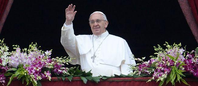 Le pape François appelle à la fin des tragédies et des persécutions en Afrique et au Moyen-Orient, notamment en Syrie, en Irak et au Nigeria.
