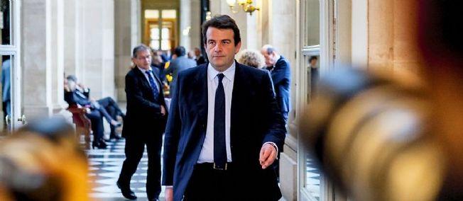 """Le gouvernement """"ferme le robinet de l'argent aux mairies, aux départements, aux régions dans des proportions inouïes"""", selon Thierry Solère."""