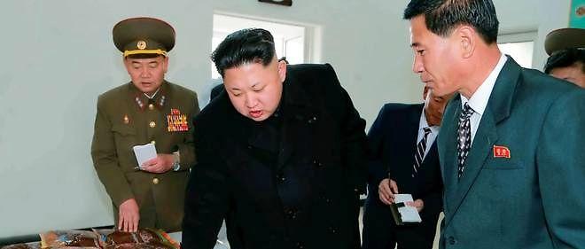 Kim Jong-un a ordonné à ses troupes de se tenir prêtes au combat vendredi à la frontière de la péninsule             après un échange de tirs d'artillerie entre Séoul et Pyongyang.