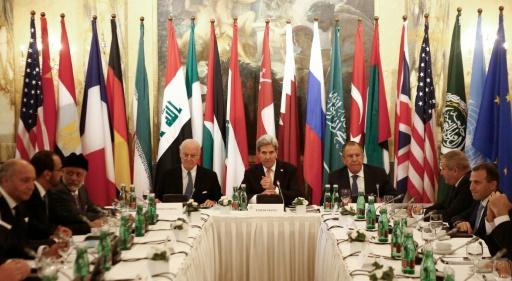 Les ministres des affaires étrangères tiennent une conférence sur la Syrie, le 14 novembre 2015 à Vienne