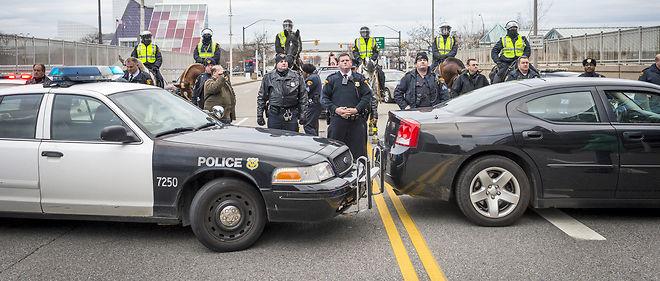 Les hommes noirs, qui constituent seulement 6% de la population américaine, représentent 40% des personnes non armées abattues par les policiers (photo d'illustration).