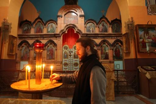 Dimitry Dub, un des six prêtres russes vivant dans l'église russe orthodoxe de Mamré à Hébron, le 6 janvier 2016 © HAZEM BADER AFP