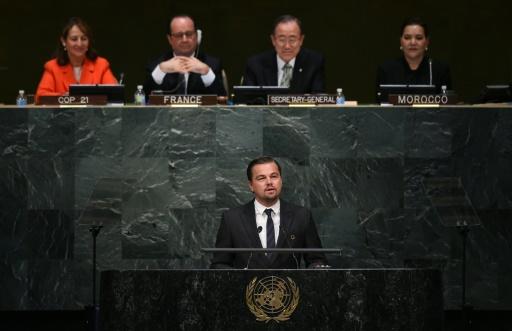 L'acteur et défenseur de l'environnement Leonardo DiCaprio à la tribune de l'ONU à New York, le 22 avril 2016 © JEWEL SAMAD AFP