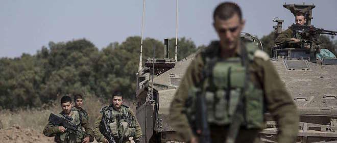 Des soldats israéliens à la frontière sud de la bande de Gaza le 4 mai.