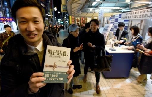 Fan cuồng của Haruki Murakami hạnh phúc vì cầm trong tay tác phẩm mới nhất của ông