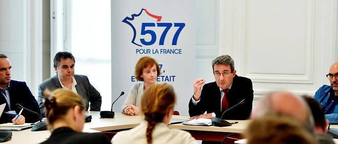 Le maire de Neuilly, Jean-Christophe Fromantin, sillonne la France pour rassembler 577 candidats en vue des législatives.
