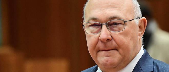 Michel Sapin avait tenté une manoeuvre judiciaire pour ne pas rembourser 15 000 euros d'indemnités indûment perçues.