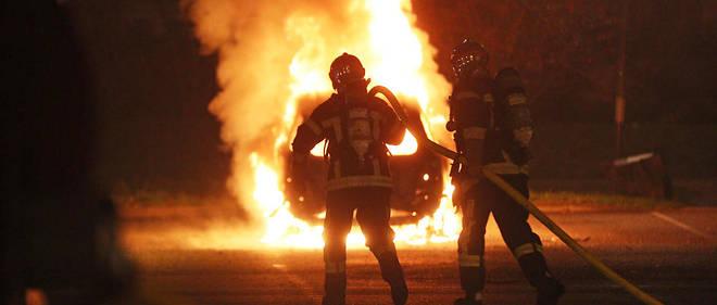 Des centaines d'interventions de pompiers ont ete comptabilisees dans toute la France le soir du reveillon de la Saint-Sylvestre.