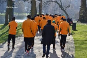 En prélude au match amical Côte d`Ivoire-Belgique, les éléphants ont effectué une une séance de relaxation de toute l`équipe au Parc Léopold Parc de Bruxelles (Ph : Dr)