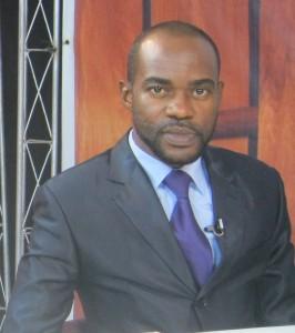 André Silver Konan, Journaliste-écrivain (Ph: Dr)