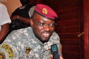 Photo: Dr Depuis le Maroc où il est formation, le Lieutenant-colonel Issiaka Ouattara a demandé à ses gardes de corps de mettre balle à terre.