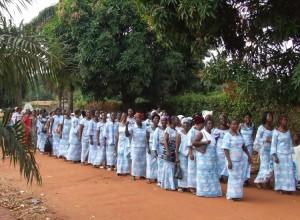 Une procession de l'Ueeso.