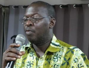 Fanny Thémokoba, le Directeur général de Shanny groupe, propriétaire du journal, n'a pu s'empêcher de poser une question aux invités.