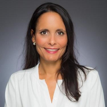 Photo Cv Pro Linkedin pays De Gex les Bains Exemple 3 Femme Fond Corporate