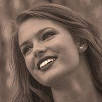 le quai namaste salon de coiffure artisan coiffeur coloration vegetale soins energetiques Accueil portraits jeune femme 05 - le-quai-namaste-salon-de-coiffure-artisan-coiffeur-coloration-vegetale-soins-energetiques-Accueil-portraits-jeune-femme-05