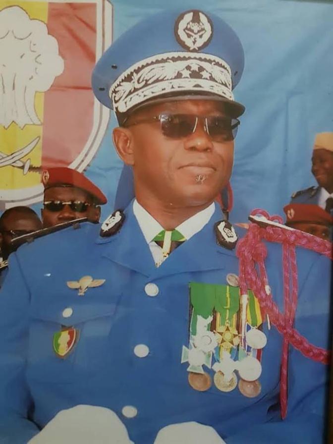 Sénégal : Conséquences des émeutes, après les primes « Adji Sarr », Macky sabre les premières tetes