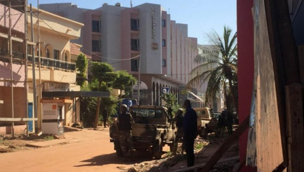 Mali: une fusillade en cours à l'hôtel Radisson de Bamako, 170 otages retenus