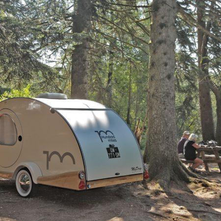 La caravane eardrop, l'esprit vintage et la liberté en toute originalité - Le Ranch de Calamity Jane, gîtes insolite à Languidic dans le Morbihan