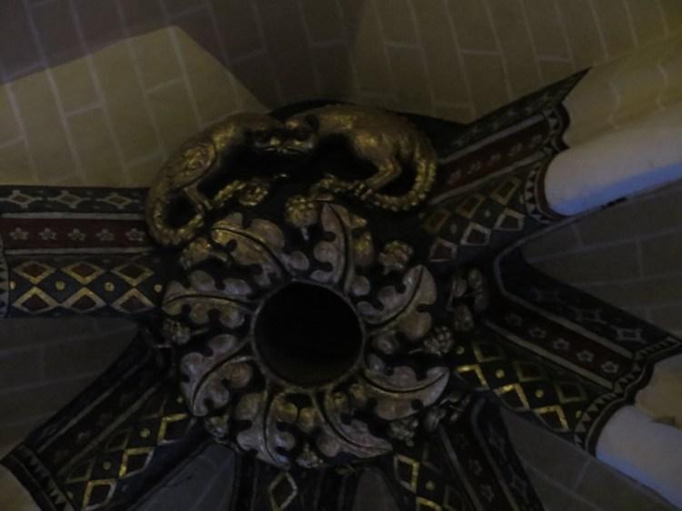 Dragon cocatrix vouivre à la Cathédrale de Chartres