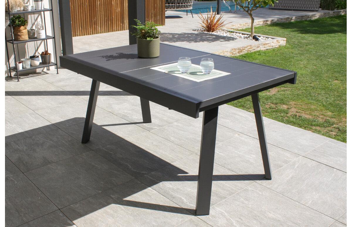 table de jardin extensible stockholm en aluminium avec rallonge manuelle anthracite 6 8 personnes dcb garden