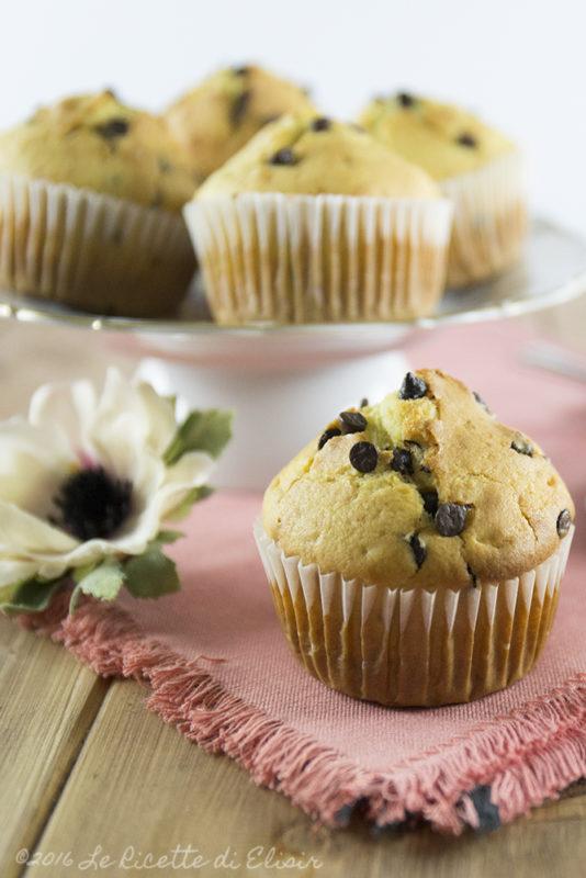 muffin cioccolato e1528890446122 - Muffin con gocce di cioccolato