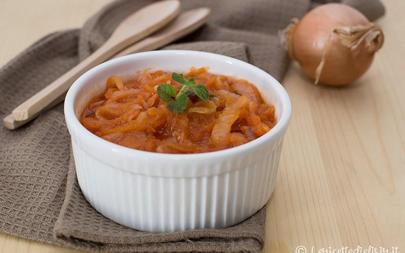 Cipolle in umido al pomodoro