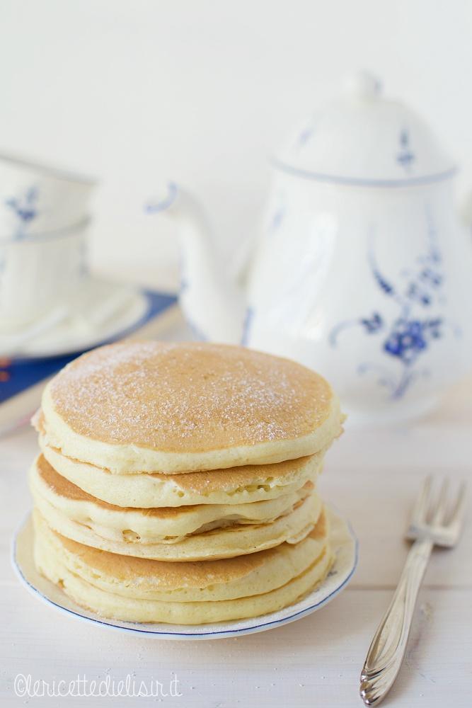pancakes americani soffici - Pancakes americani classici e soffici