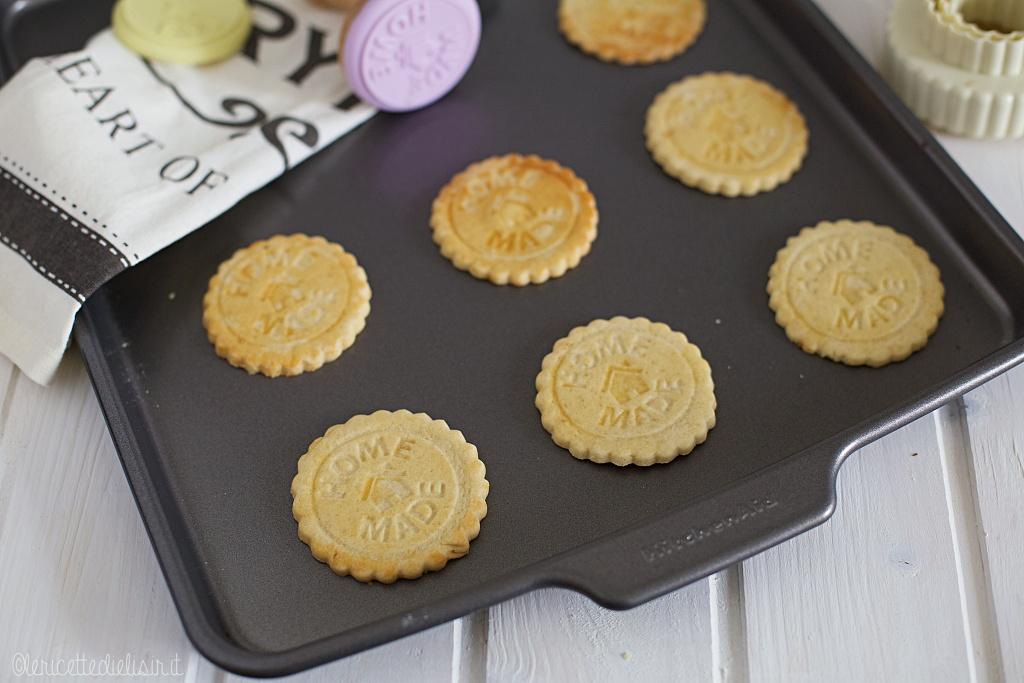 Biscotti semplici fatti in casa