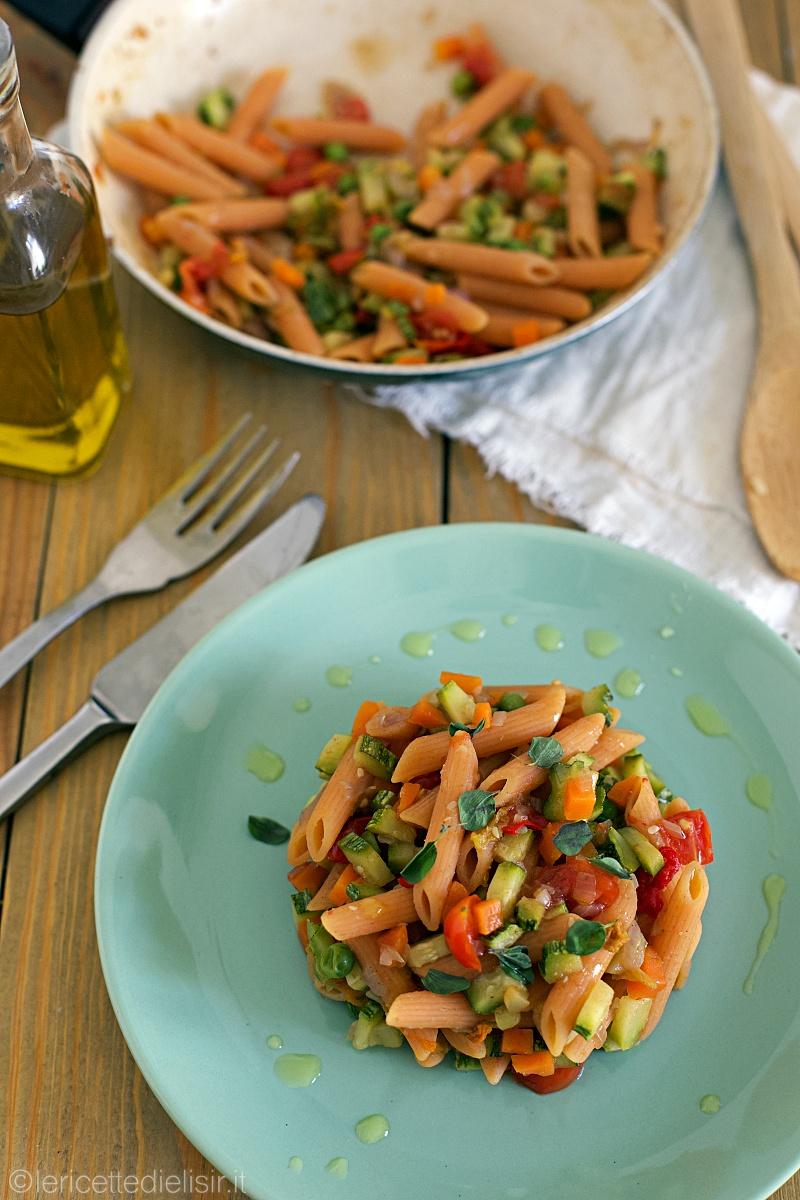 pasta di lenticchie con verdure 1 - Pasta di lenticchie con dadolata di verdure di stagione