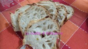 Pane al pistacchio con licoli