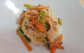 spaghetti di riso con indivia belga