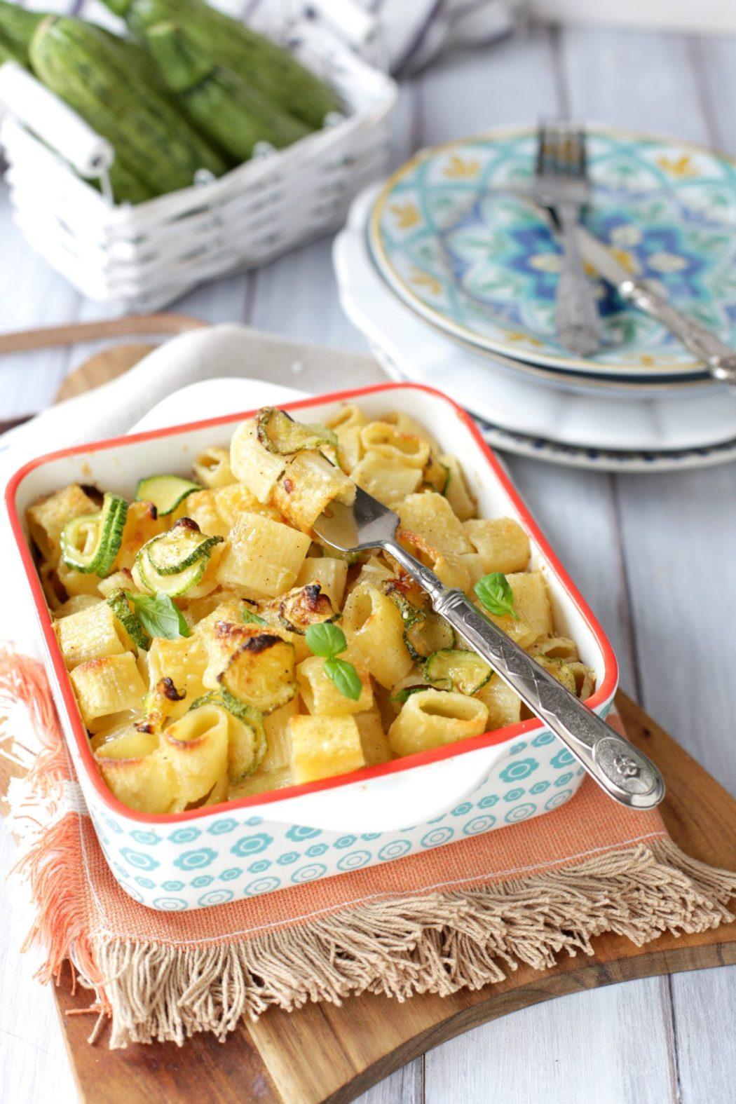 come fare la pasta al forno con zucchine e robiola