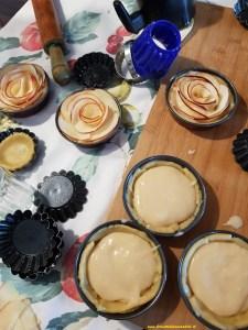 preparazione-crostate-di-mela-alla-crema-225x300 Crostatine di Mele alla crema