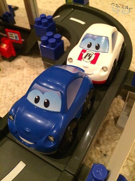 Circuit de voiture à 2 ans